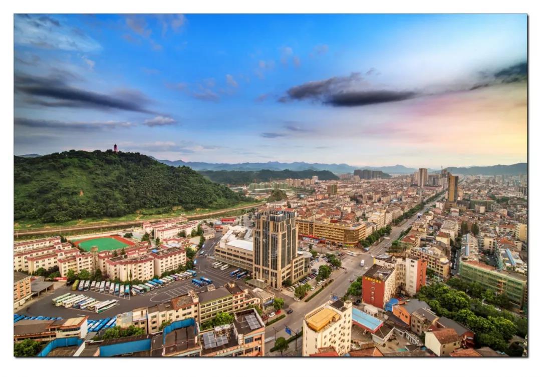 上海新增复旦、交大等4所高校毕业生直接落户